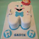 Tandentaart voor de viering van eerste tandje