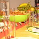 Hello Kids gedeckter Tisch