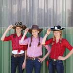 """Mara, Anna und Miri zum Thema """"Cowgirls"""""""