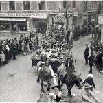 Char des scouts avec leur fondateur lord Baden Powell
