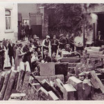Dans la cour de l'académie de musique(aujourd'hui disparue), rue du Wichet.