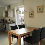 Esstisch mit 5 Stühlen