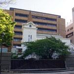 開港広場から見た教会堂(2015/5)
