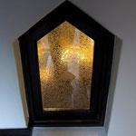 階段の小窓(改修後に唯一残った「結霜(グルーチップ)ガラス」入りの建具)