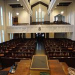 講壇から見た礼拝堂