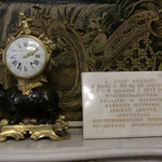 エルミタージュ美術館10月革命の時間を示す時計とパネル(訪れた日が正にこの日でした!)