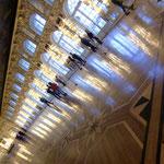 エカテリーナ宮殿広間(夏の宮殿なので照明器具が有りません)