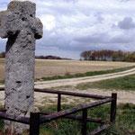 Fontaine-sur-Somme: la croix en 1996