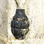 La borne Vauthier de Ville-sur-Ancre: la grenade