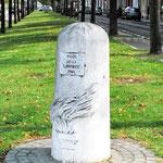 Borne de la Voie de la Liberté à Amiens- Rond-point de la route de Rouen