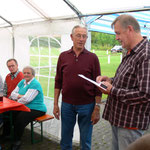 Links: Gerhard Haupt - 50 Jahre IGBCE-Mitglied