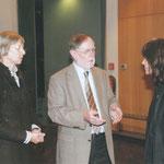 Marie-Louise Lichtenberg im Gespräch  mit Gästen
