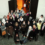 """Foto di gruppo, """"Donne e colori"""" marzo 2011, insieme al Sindaco di Tirano Pietro del Simone e al Assessore Istruzione e Cultura Bruno Ciapponi Landi"""