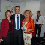 con Emanuela Rindi (critica dell'arte) e Presidente Banca Raiffeisen del Vedeggio Sig. Roberto Rossi
