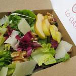Salat mit Birnen und Walnüße