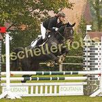 Sandra Tillmann-Heinemann auf Royal Lady CT 4