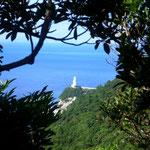 南側から望む永田屋久島灯台