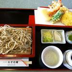 松川浦傍の「いその庵」の新そば+天ぷら盛り合わせ 美味!