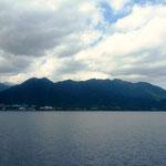 屋久島へ向かう高速船 「ジェットフォイル・ロケット」から見る屋久島