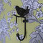 お客様がご用意された小鳥のコートフックも取り付けました。