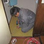 薬剤噴霧が終わったので床を復旧します。下地を入れて元通り☆