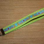 """grasgrün mit Webband """"Drachen"""", 48 cm"""