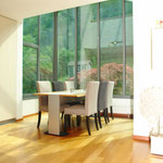 Eines der Highlights: Der Essbereich mit modernem Glas-/Stahl-Erker.