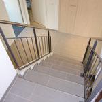 Aufgangstreppe vom Erd- ins Obergeschoss