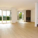 Der mit über 40 m2 Fläche sehr grosszügig ausfallende Wohn-/Essbereich