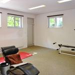 Im Anbau: 30 m2 grossen Raum mit multifunktionaler Nutzungs-Möglichkeit.