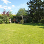 Uneingeschränkte Privatsphäre: Rasenfläche/Garten auf der Ostseite des Hauses