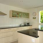 Blick in die Küche – auch diese mit angenehmem Lichteinfall