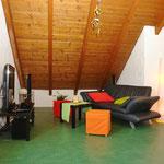 26 m2 (!) grosses Zimmer im Dachgeschoss