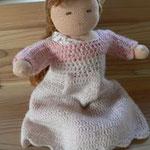 お人形に着せたワンピースは母の手作り