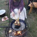 5. Wikinger- und Mittelalterspektakel 2011 in Berlin - Sarah macht Eierkuchen