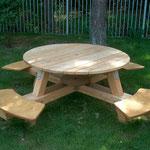 14 0700 D Picknick-Tisch rund, barrierefrei