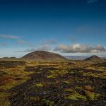 Schon die Wanderung über das Lavafeld ist eine natürliche Kostbarkeit.