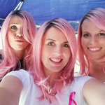 Auch die Perücken in Pink