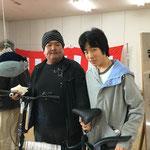 H28/4/9抽選会。一等自転車大当たり~!親子でゲット!!