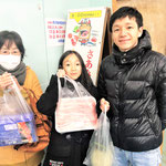 H30/1/21抽選会場にて阿部様ご家族をパシャリ!