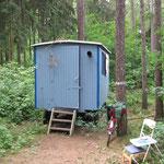 Bauwagen der Umwelt-AG im Forstbotanischen Garten