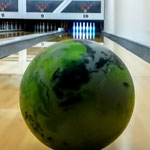 """""""Bowling-Ball"""" - Conny"""