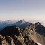 奥穂高岳山頂から望む 槍ヶ岳
