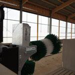 Familie Häussler setzt auf 13 SCHURR Kuhbürsten in einem Stall