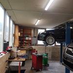 Servicearbeiten-an-allen-Fahrzeugmarken-im-Emmental