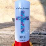Nr. 20 - Kommunionskerze 25x8cm, buntes Kreuz