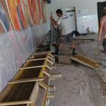 Neue Sitzbänke betonieren