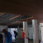 Abbrucharbeiten Decke Eingangsbereich Bad
