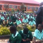 Rektor von Josma hält Rede