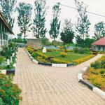 Pflasterung ist gut gegen Schmutz und Staub bei Regen-und Trockenzeit